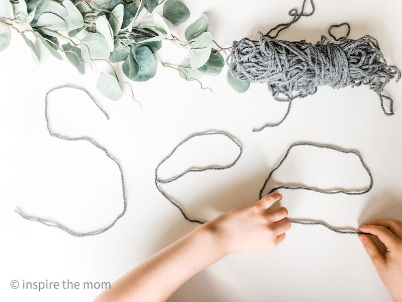 shaping yarn to the word see